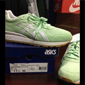 Asics GT II Green MENS SZ 11.5